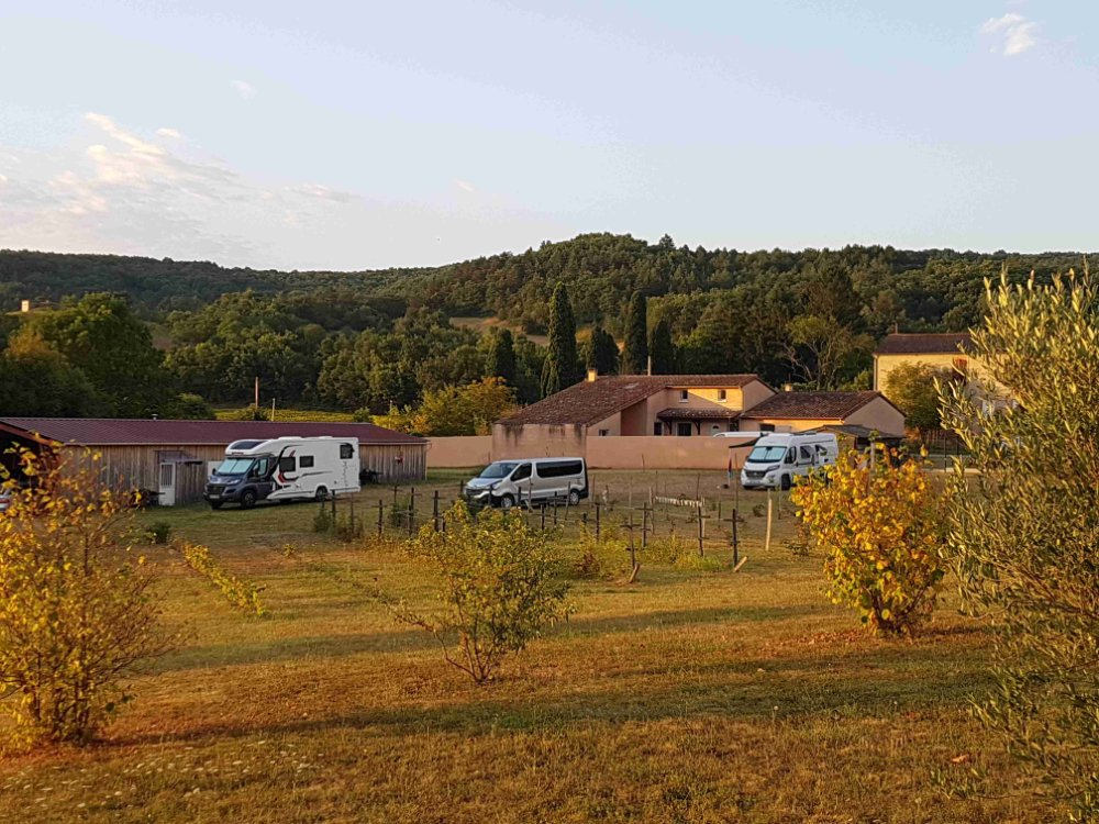 Aire camping-car à Dun (09600) - Photo 3